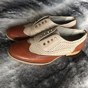 """""""Wanted"""" Hunny Wing Tip Women's Oxfords 👞"""